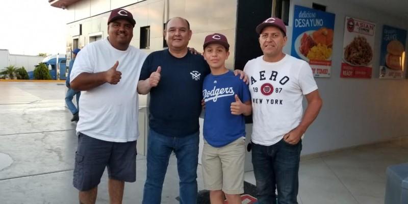 Alcalde felicita a Campeones Estatales de Béisbol