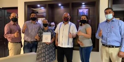 Cumple Alcalde con familia Castañeda