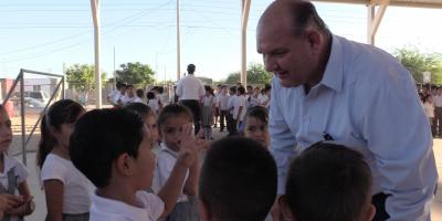 Encabeza Alcalde Santos González acto cívico escolar
