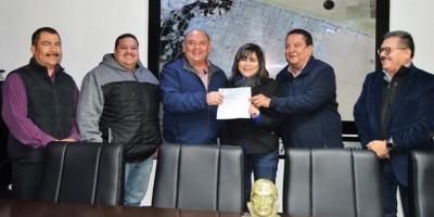 Entrega Alcalde último pago de aguinaldo