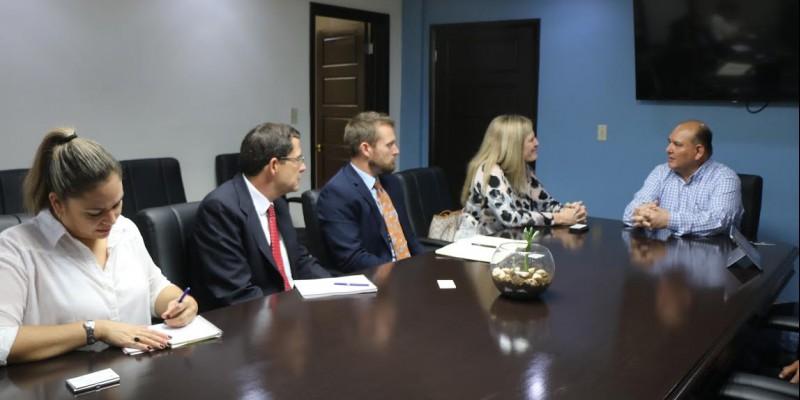 Estrechan lazos de amistad con Consulado de E.U. en Nogales