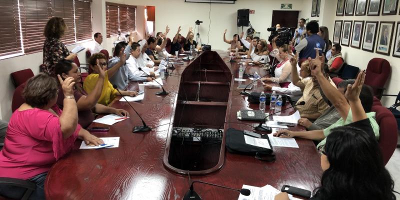 Por unanimidad aprueba Cabildo realizar primer informe adelante