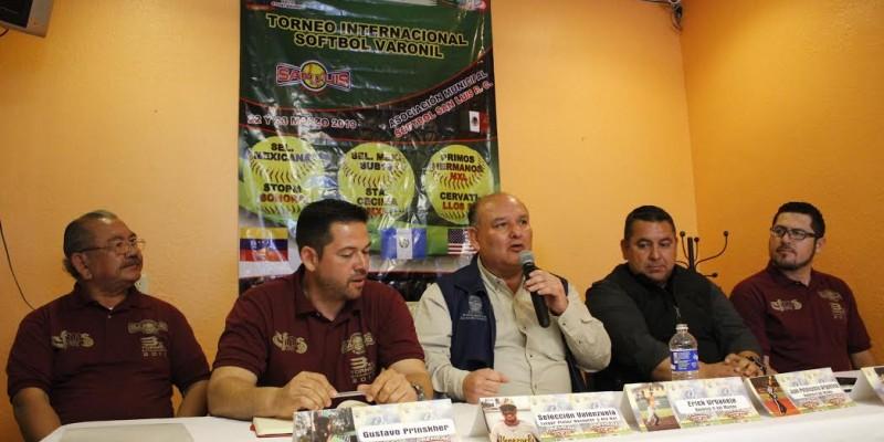 Refrenda Alcalde apoyo a torneo Internacional de Softbol