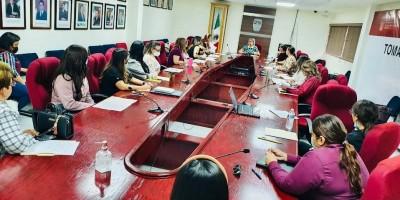 Reúne FTS a mujeres del 29 Ayuntamiento