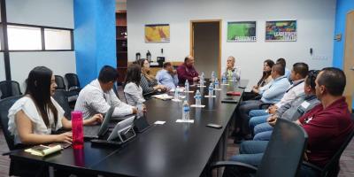 reunión con directivos de la empresa Flex