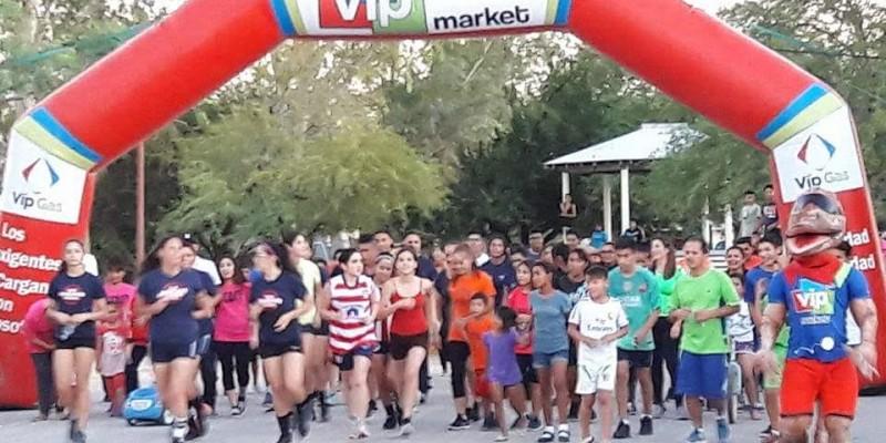 Participan con entusiasmo más de 250 residentes del valle en carrera 3k